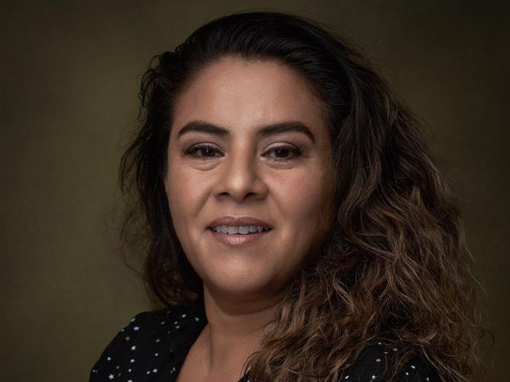 Women we love: Entrevista con Verónica Valadez, productora de 50 o Dos ballenas que se encuentran en laplaya
