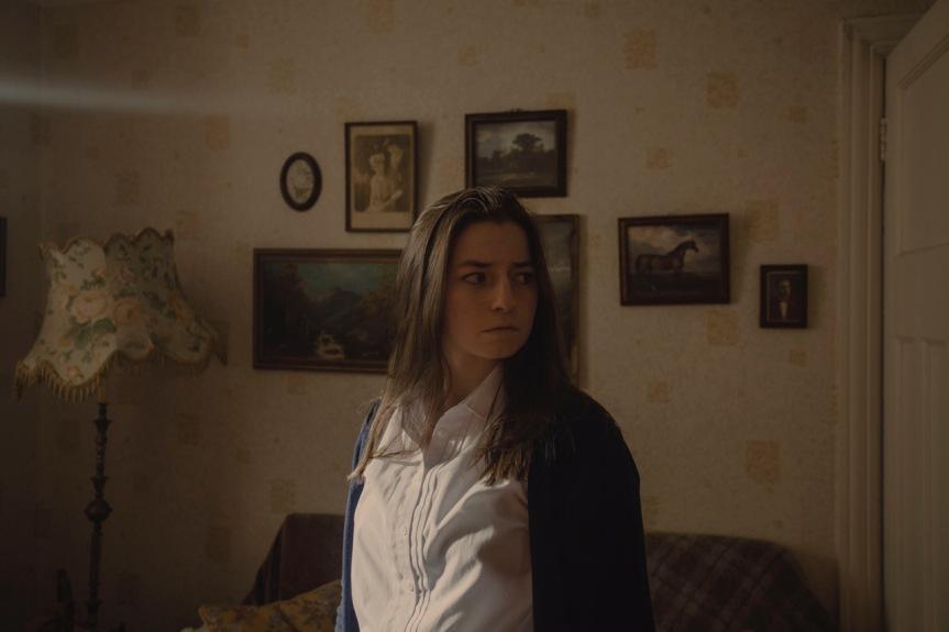 #TIFF21 Film Diary: terror folklórico y salud mental en You Are Not MyMother